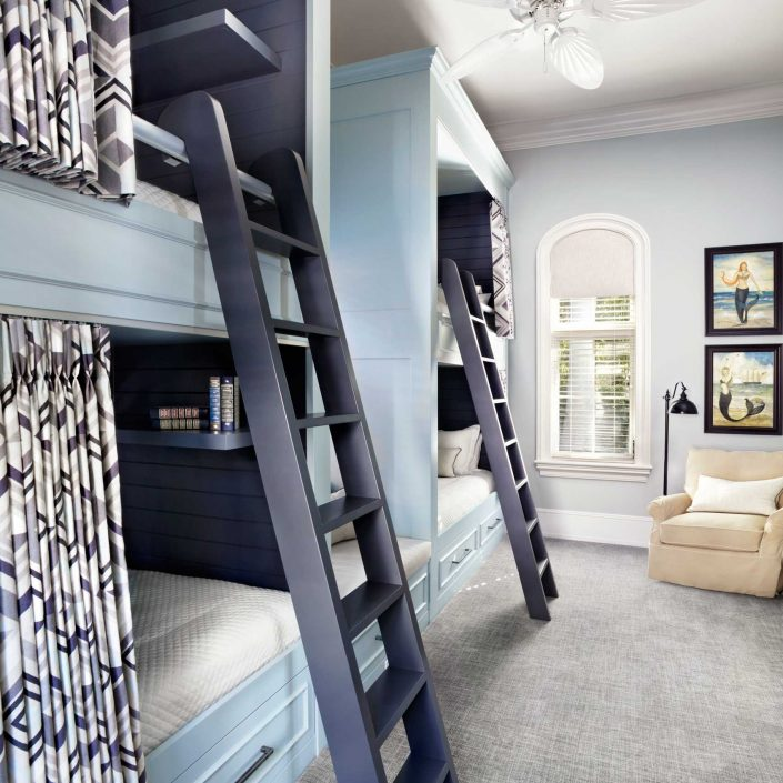 Laura Hay : Playful Guest House